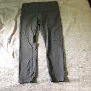 Women's Lululemon ankle crop pants